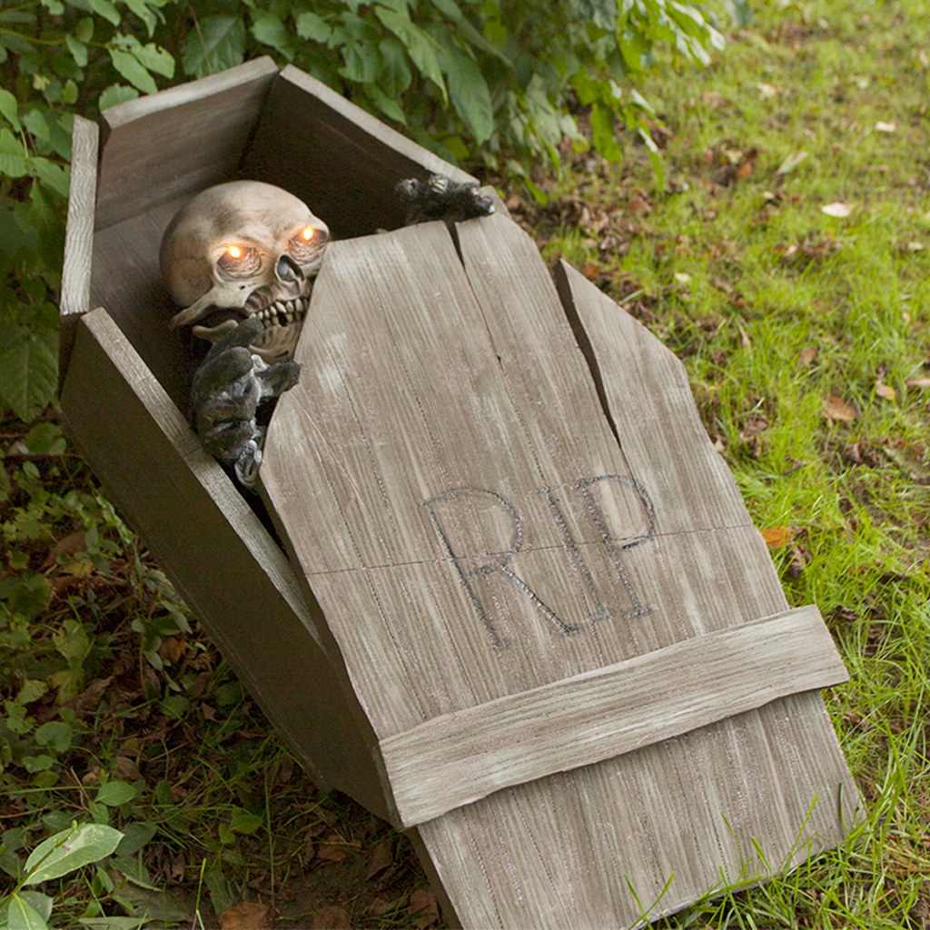 DIY Halloween Lawn Coffin Prop