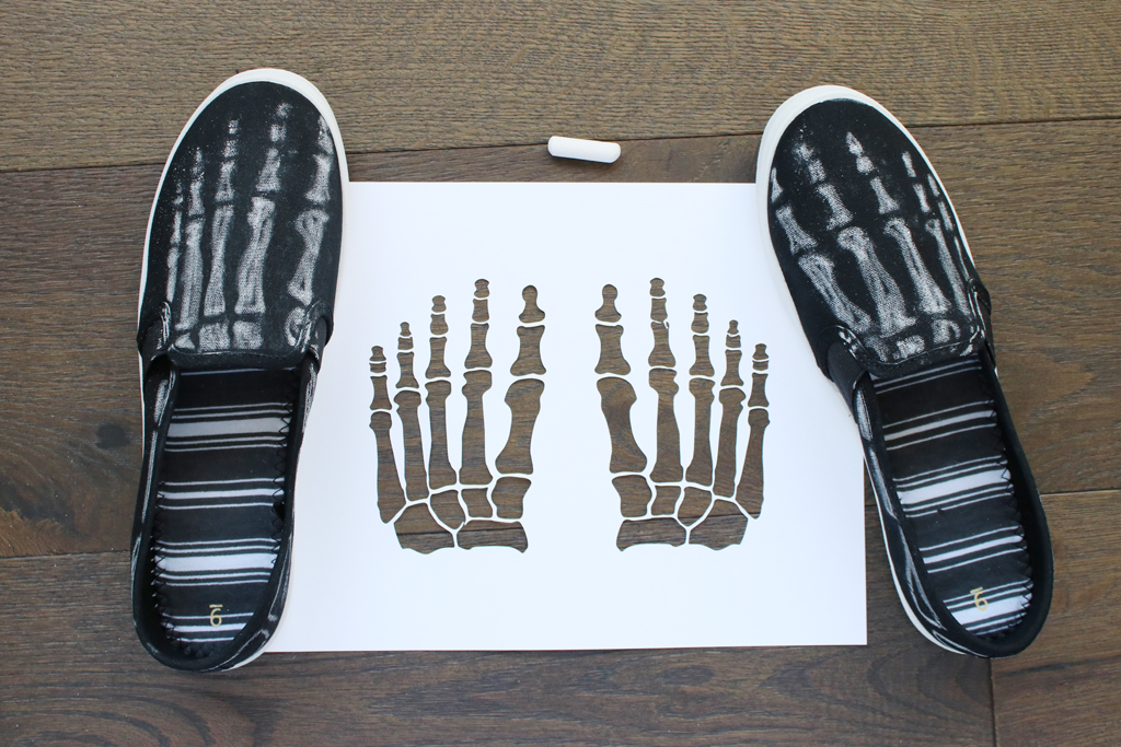 DIY Skeleton Shoes Chalk