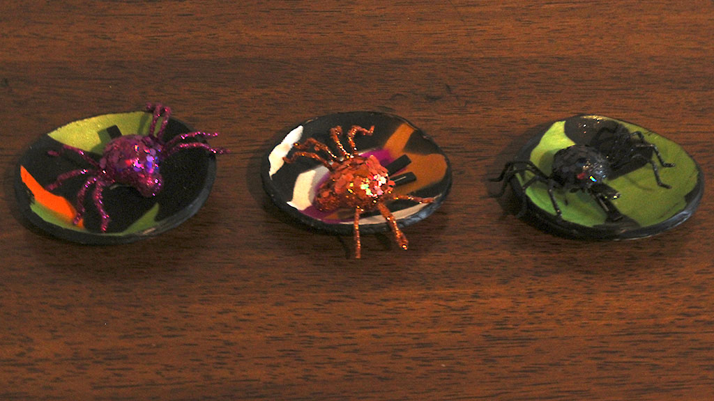 Marbled Trinket Dishes with Spiders Inside